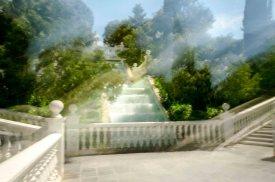 Treppen im Park in Saragossa mit Langzeitbelichtung
