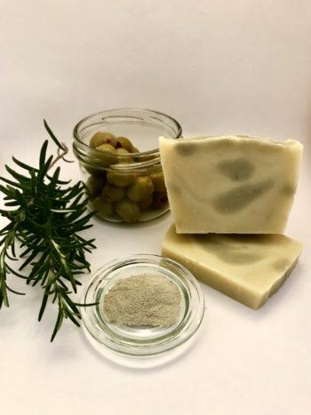 Naturseife Haarseife mit Rosmarin aus eigenem Anbau ohne Zusätze palmölfrei und Seife selber machen aus Liebe zur Natur