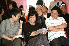 """Huy, Thiên Hương, Thông chuẩn bị đọc truyện ngắn """"Người em Xóm Học"""" của nhà văn Kiệt Tấn"""
