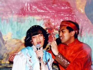 Đức vua Trường cưng hoàng hậu Thiên Hương hết ý !