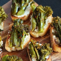GOAT CHEESE AND BROCCOLI RABE CROSTINI
