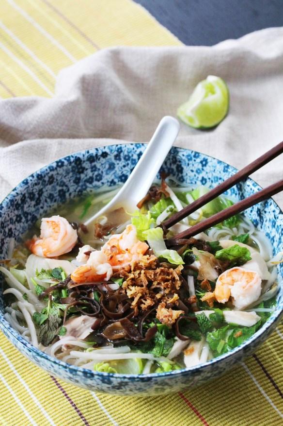 pho with shrimp, chicken & mushrooms