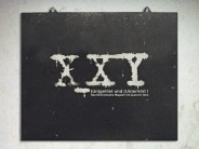 Der Sendungsname auf dem Schwarzen Brett. Foto X_XY