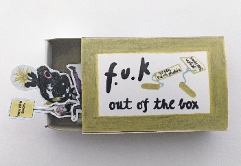 "Oona Valarie Serbest ""Out of the Box"" Foto Oona Valarie Serbest"