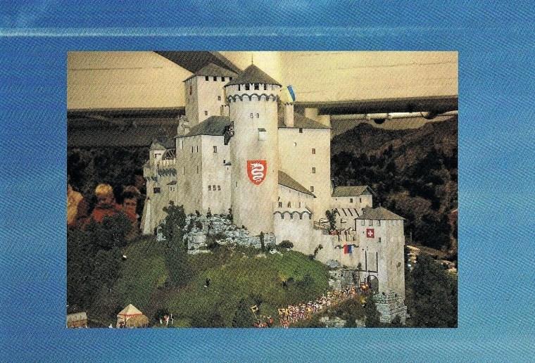 Foto aus dem Miniatur Wunderland Hamburg zeigt eine Burganlage