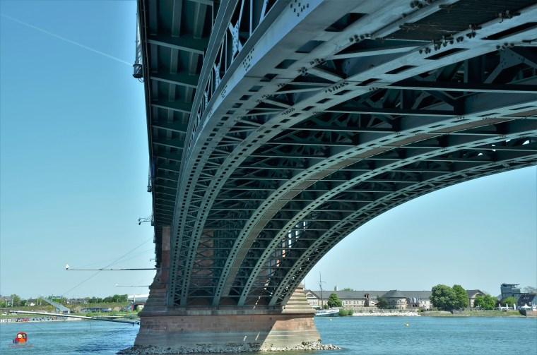 Th-H-Brücke4