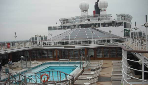Pooldeck Queen Elizabeth