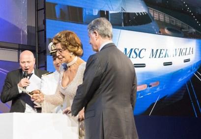 Sophia Loren agiert am 3.6.2017 in Le Havre als Taufpatin für das hochmoderne Megaschiff Meraviglia der Reederei MSC Cruises