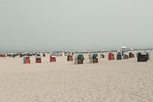 Nebel am Sandstrand von Warnemünde