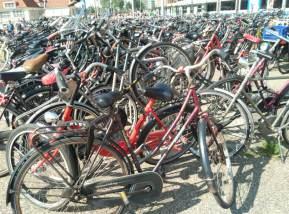 Fährräder vor dem Hauptbahnhof