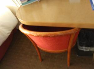 Abnutzung an der Stuhllehne
