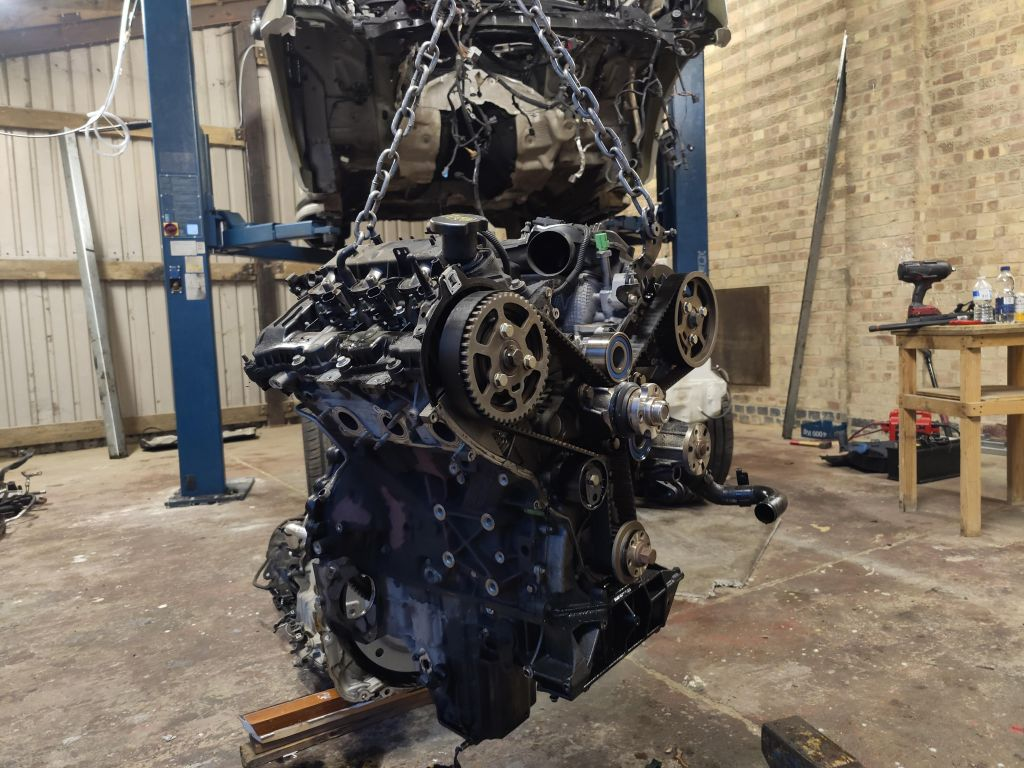range rover 3.0 tdv6 engine