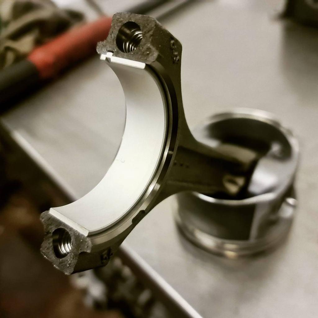 Land Rover engine rebuilding