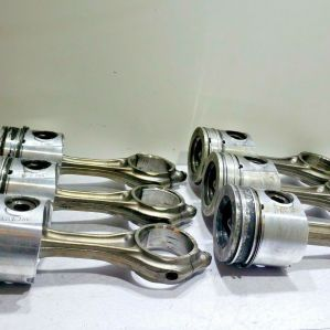(SET OF 6) CUMMINS ISB 6.7 PISTONS AND CONNECTING RODS ASSEMBLY 4931041 OEM
