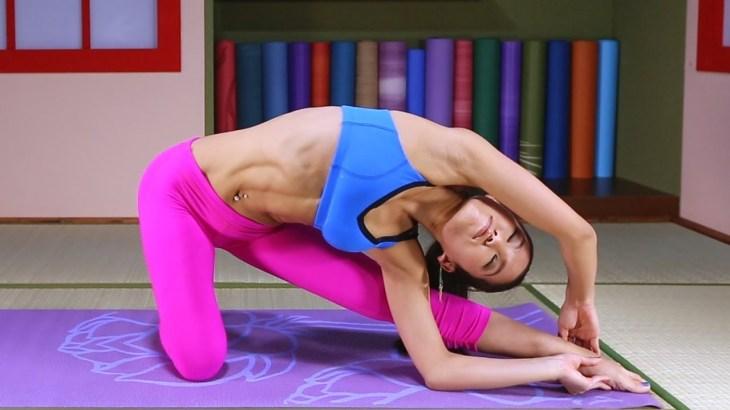 門のポーズ | ヨガ ダイエット | 痩せる ストレッチ | Yogaesse ワカヨギ