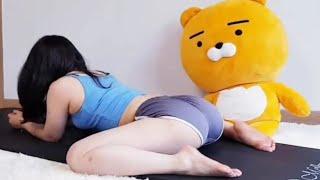 朝からヨガ! ヒップアップにも最適! ストレッチ 柔軟体操 ダイエット Beautiful woman yoga stretch sexy
