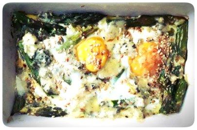 Huevos al horno con Espárragos