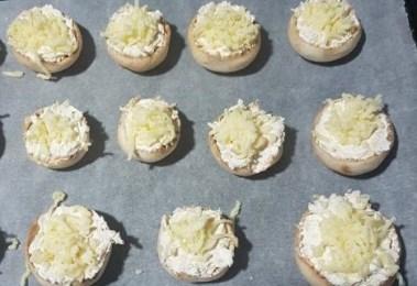 champiñones rellenos de queso