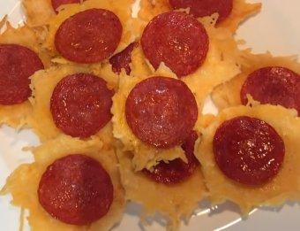 mini pizza peperoni