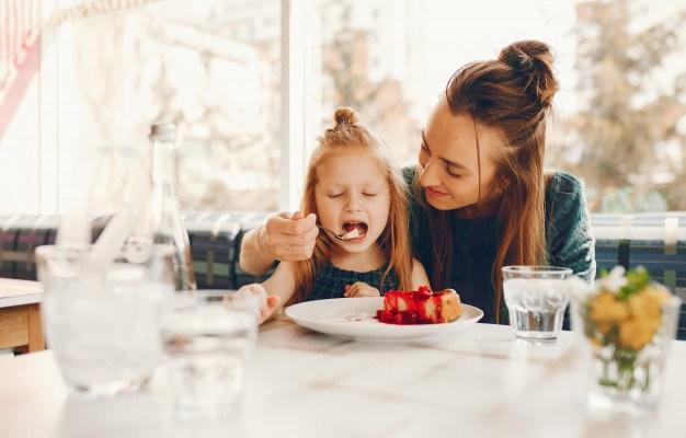 Dégustation en pleine conscience, quand l'aliment retrouve la place qu'il mérite.