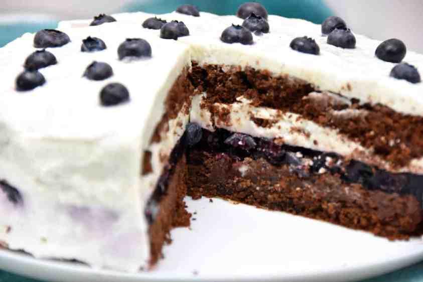 Tort czekoladowo-jogurtowy