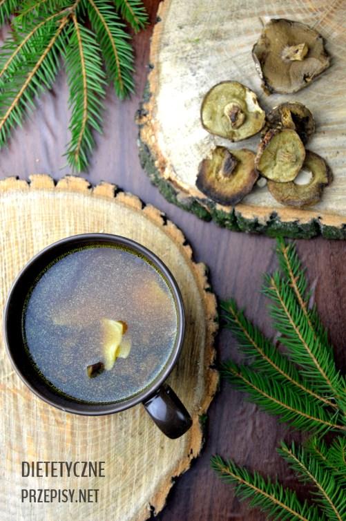prosta zupa grzybowa z suszonych grzybów idealna na wigilię