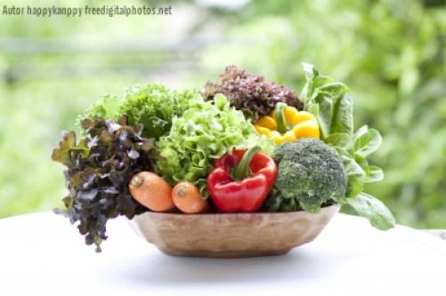 naturalny detoks sokami z owoców i warzyw