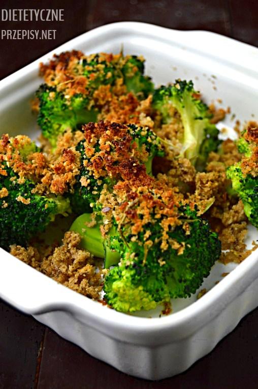 lekkie brokuły zapiekane z pełnoziarnistą panierką