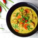 Podkręcająca metabolizm zupa tajska z kurczakiem