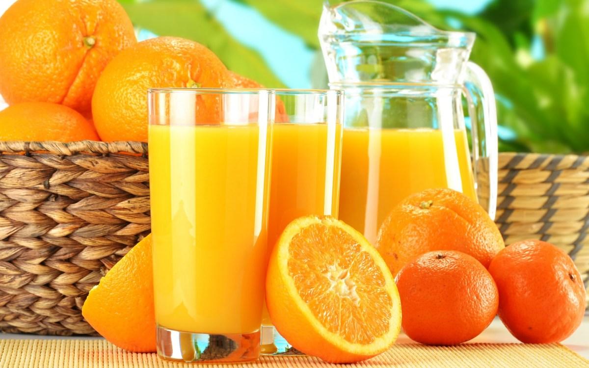Este sucul de portocale bun pentru durerea in gat?
