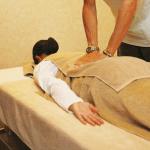 骨盤矯正ダイエットの効果や方法【バスタオル・枕・運動など】