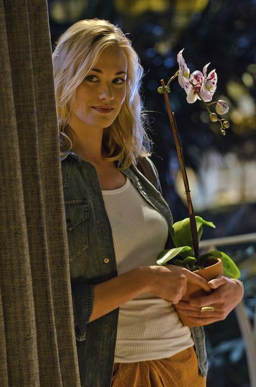 Yvonne Strahovski – Dexter