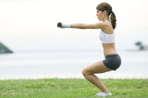 woman-doing-lunges590