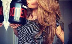 女性のプロテインダイエットの効果と正しい飲み方!運動は必要?
