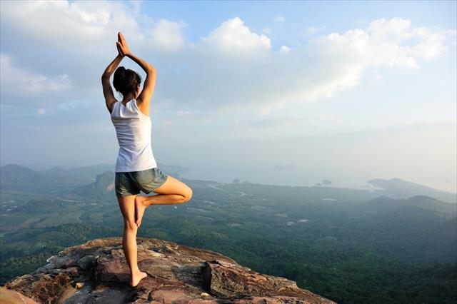 女性の下半身の筋トレは「片足立ち」体幹とバランス力を鍛えて美BODY!