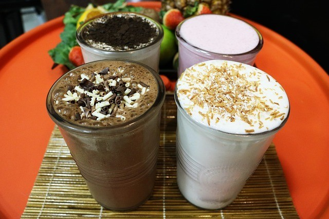 Weight gain shakes for underweight (gainer for females)