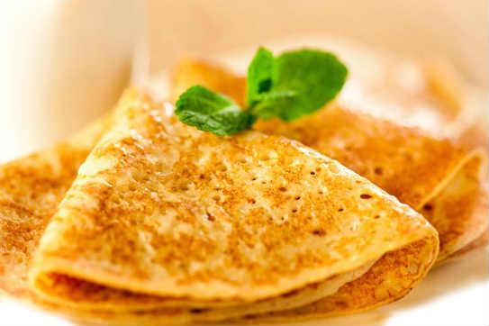 Pancakes Kefir ja maito ohut