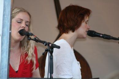 Sofia Karlsson och Sophie Livebrant