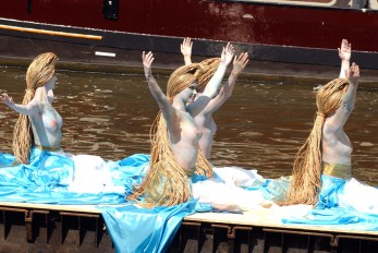 Amsterdam, The Netherlands August 4, 2006 Gay Pride with celebreties and partypeople. On the photo the parade REPORTERS © CI gay -pride - parade - celebrety - boat - ship - water - canals - sexual - men - woman - boy - girl