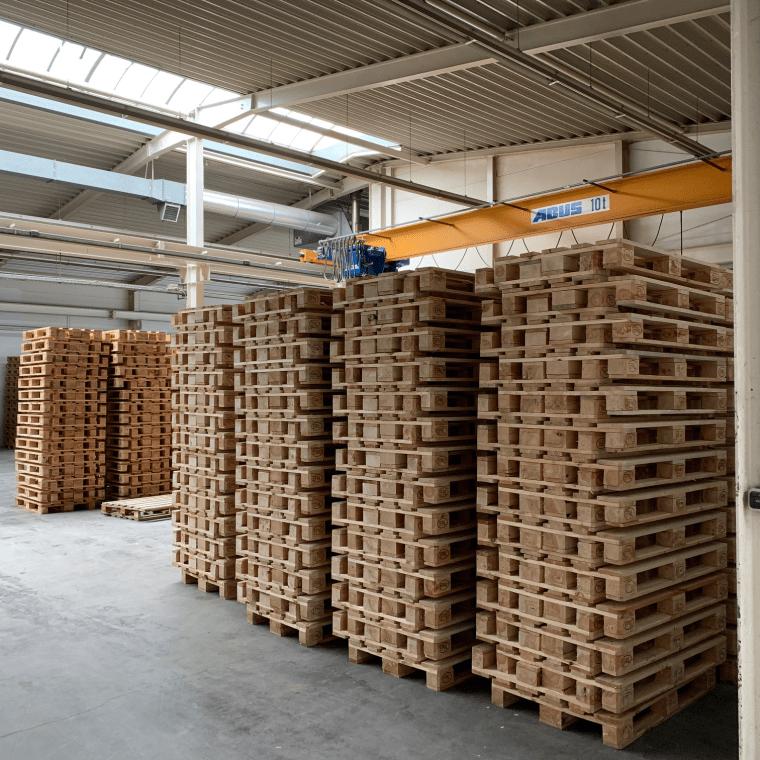 DieWi GmbH - Europaletten mit Kran