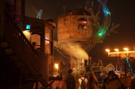 """Treehouse with Neverwas Haul and KSW's Steam Engine """"Hortense."""""""