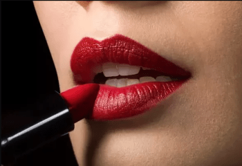 Difference between lipstick and lip gloss