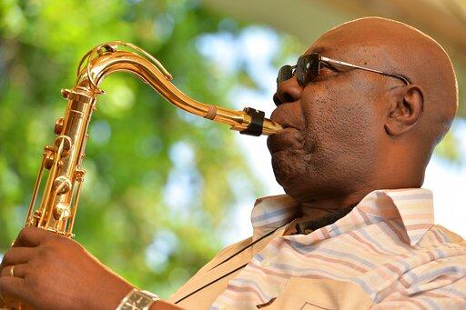 Mort de Manu Dibango : Ali Bongo Ondimba, Macky Sall et Roch Marc Christian Kaboré, rendent hommage à l'artiste
