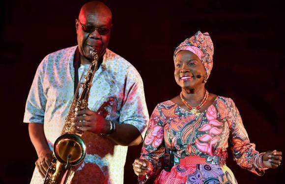 Mort de Manu Dibango : Voici la manière dont Angélique Kidjo rend hommage à l'artiste