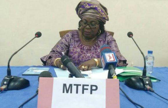 Coronavirus : Adidjatou Mathys reporte le concours au profit du Ministère de l'Économie et des Finances
