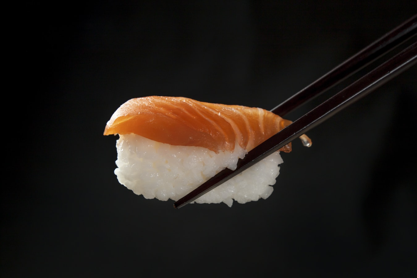 What's on the Menu? The Cultural Meaning and Principles of Japanese Cuisine