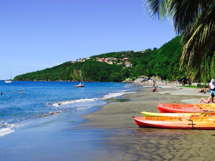 Vue de la plage de Malendure en Guadeloupe