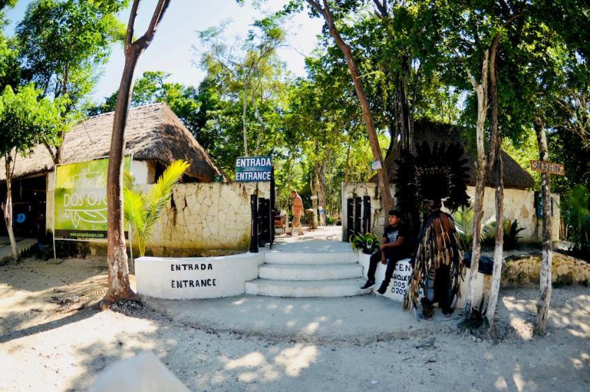 Entrée du site de Dos Ojos au Mexique, une des destinations de plongée réputée.