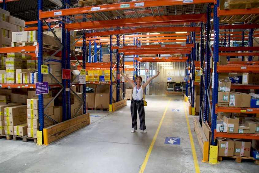 Dans l'entrepôt de l'usine d'Aqua Lung