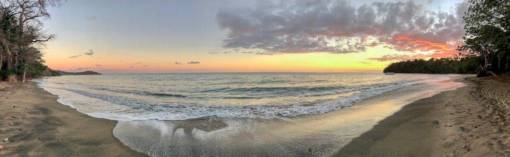 Coucher de soleil sur la plage de N'Gouja